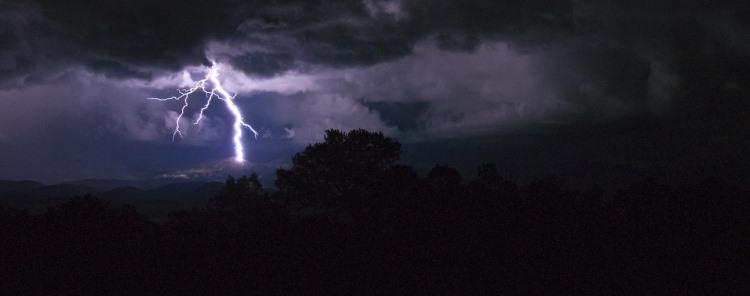 lightning-1550383_1280